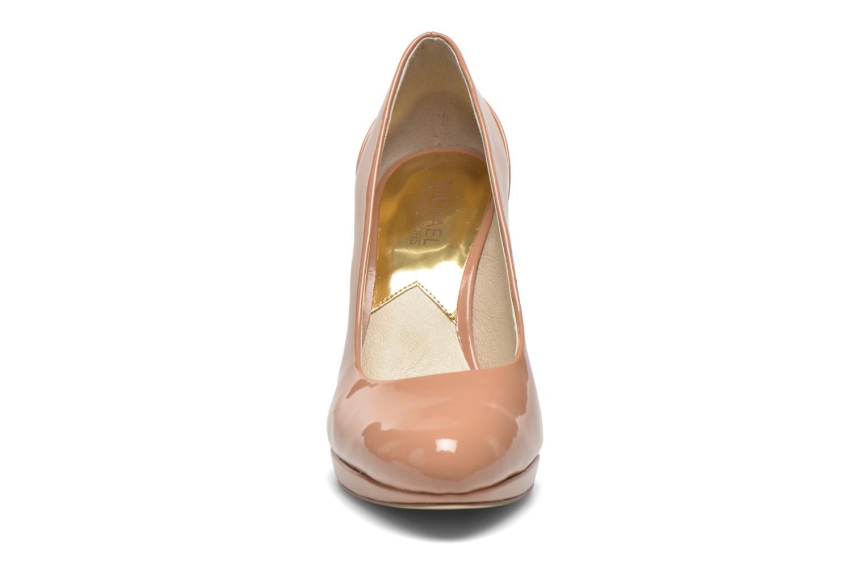 Escarpins Michael Michael Kors Yasmin Pump Beige vue portées chaussures
