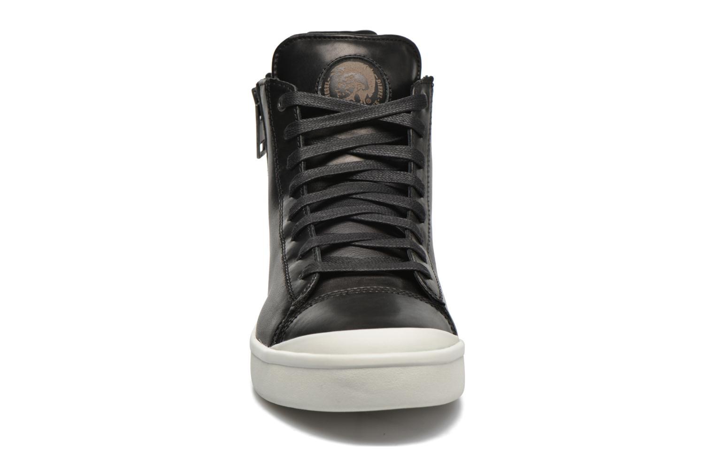 Baskets Diesel S-Nentish Noir vue portées chaussures