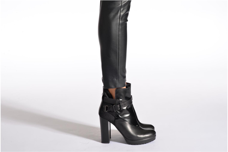 Shona Cheval Strap Shine Black Leather with Denim
