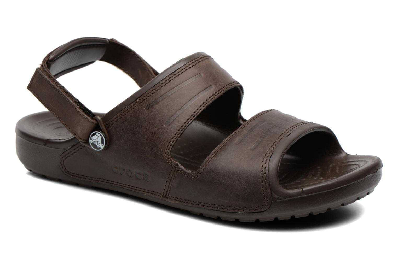 Sandales et nu-pieds Crocs Yukon Two-Strap Sandal M Marron vue détail/paire