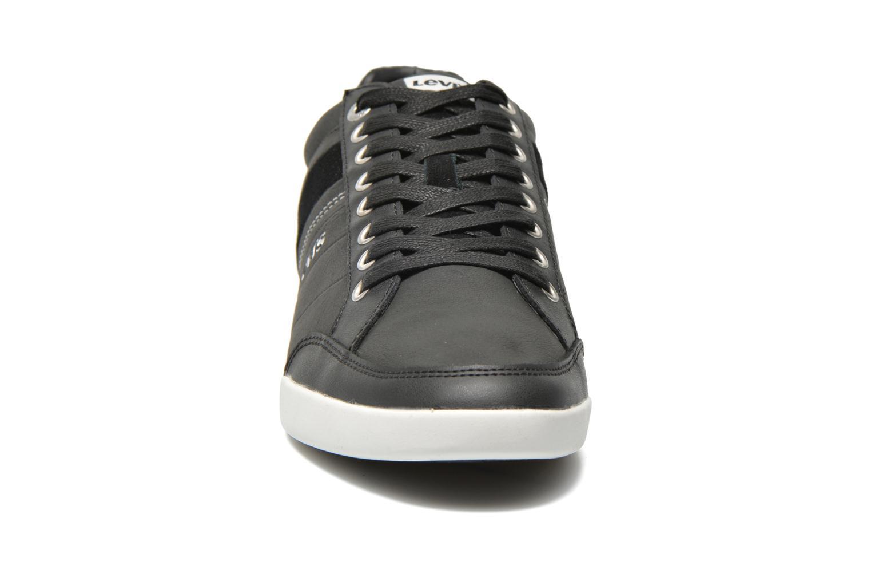 Baskets Levi's Turlock Refresh Noir vue portées chaussures