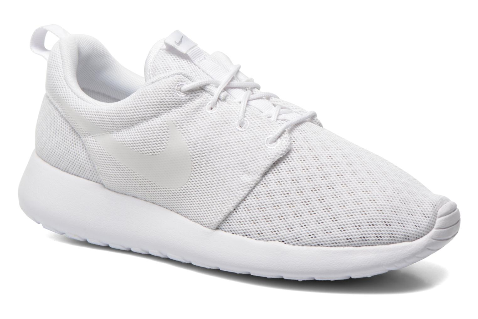 Baskets Nike Nike Roshe One Br Blanc vue détail/paire