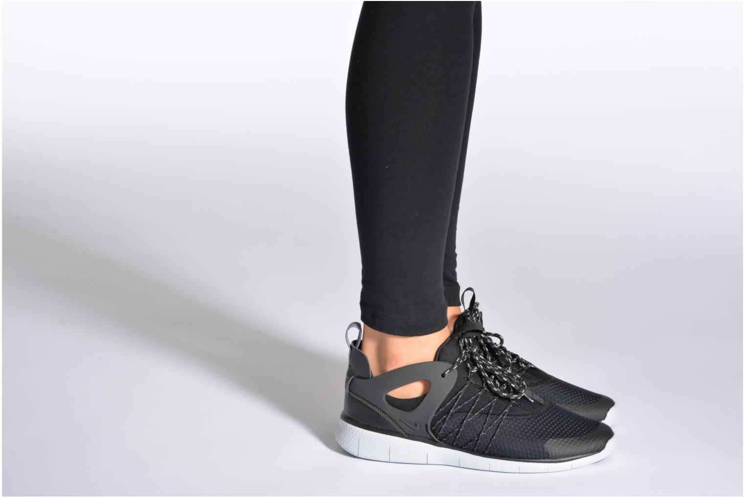 Trainers Nike Wmns Nike Free Viritous Black view from underneath / model view