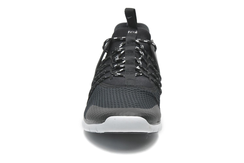 Deportivas Nike Wmns Nike Free Viritous Negro vista del modelo