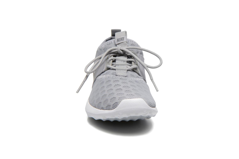 Baskets Nike Wmns Nike Juvenate Gris vue portées chaussures