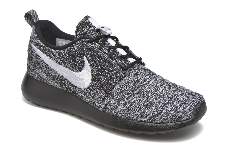 Baskets Nike Wmns Roshe One Flyknit Noir vue détail/paire