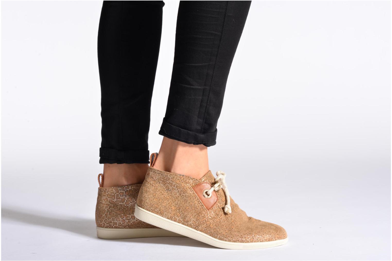 Chaussures à lacets Armistice Stone Mid Cut W Noir vue bas / vue portée sac