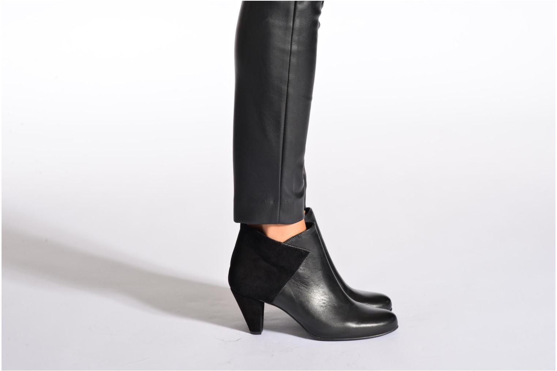 Bottines et boots Georgia Rose Loupet Noir vue bas / vue portée sac