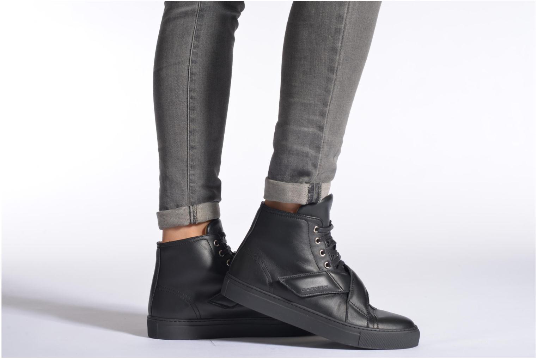 Sneaker Carven Sketcha schwarz ansicht von unten / tasche getragen