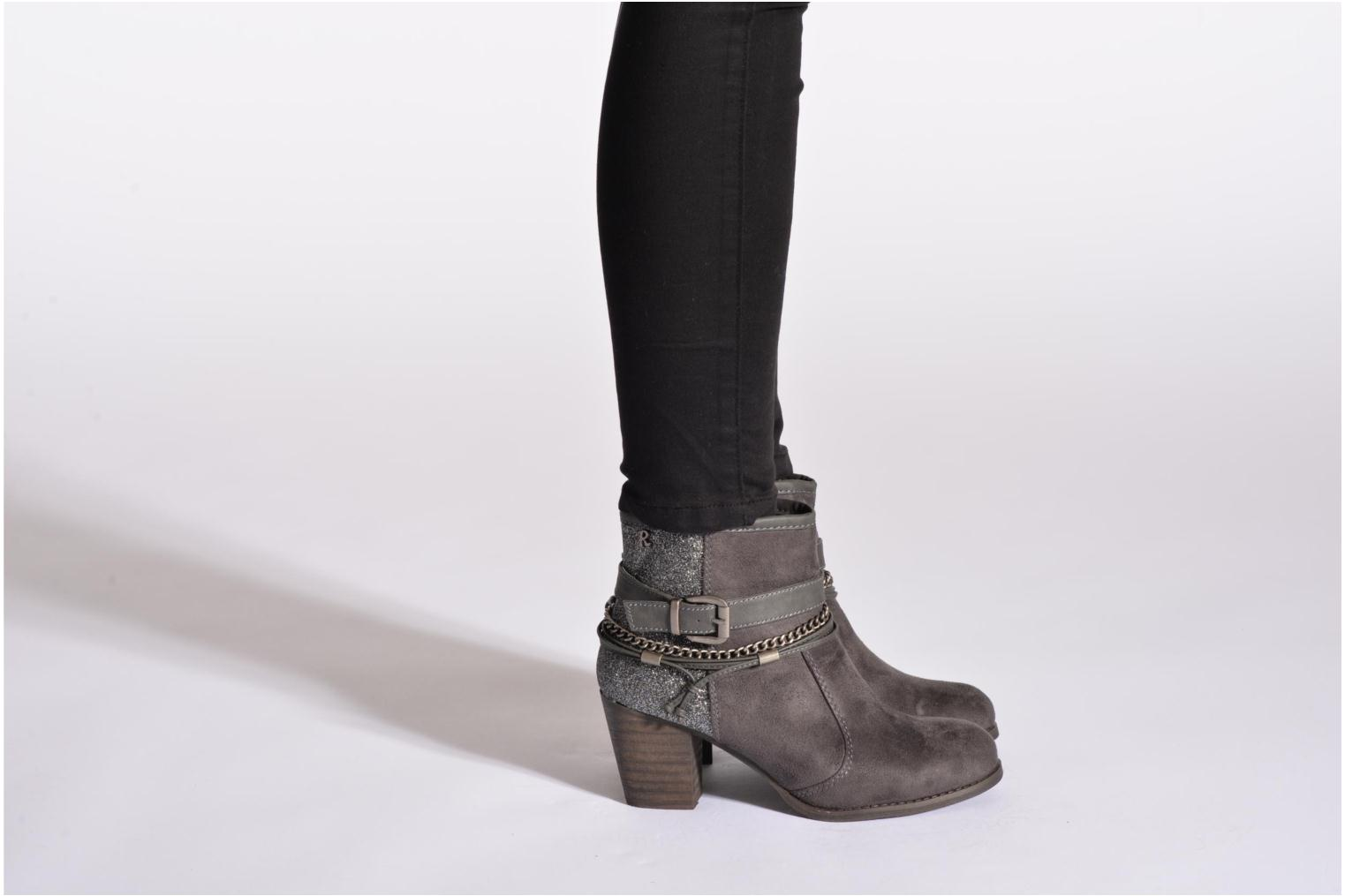 Ankle boots Refresh Deborah-61181 Black view from underneath / model view
