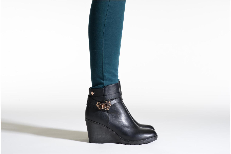Stiefeletten & Boots Xti Cornelie-28720 braun ansicht von unten / tasche getragen