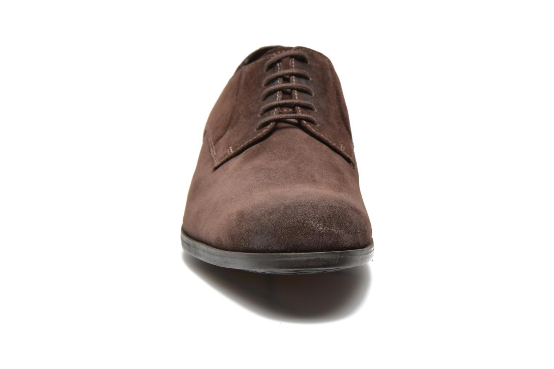 Chaussures à lacets Clarks Banfield Walk Marron vue portées chaussures