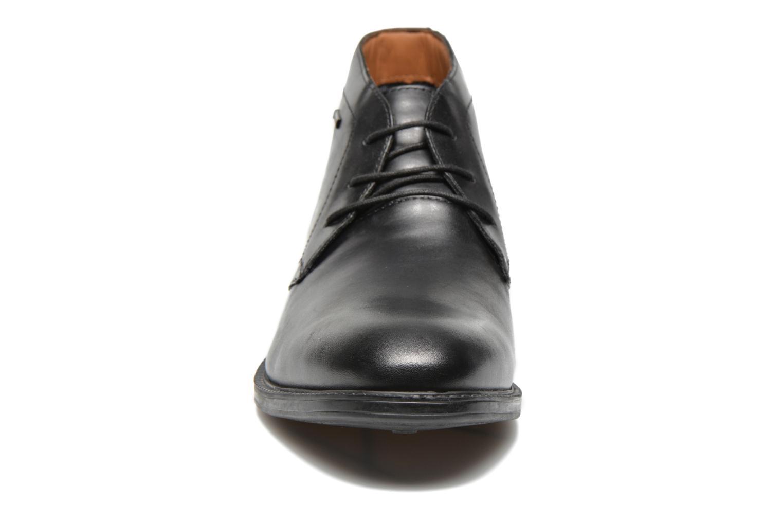 Chaussures à lacets Clarks Chilver Hi GTX Noir vue portées chaussures