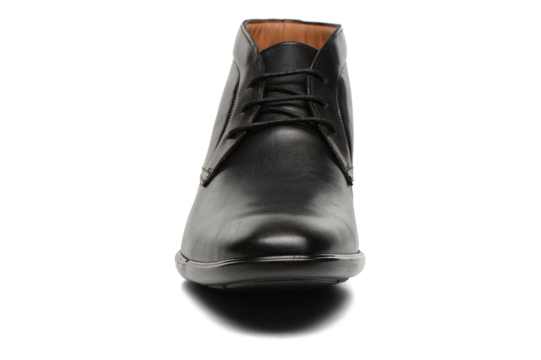 Chaussures à lacets Clarks Gosworth Hi Noir vue portées chaussures