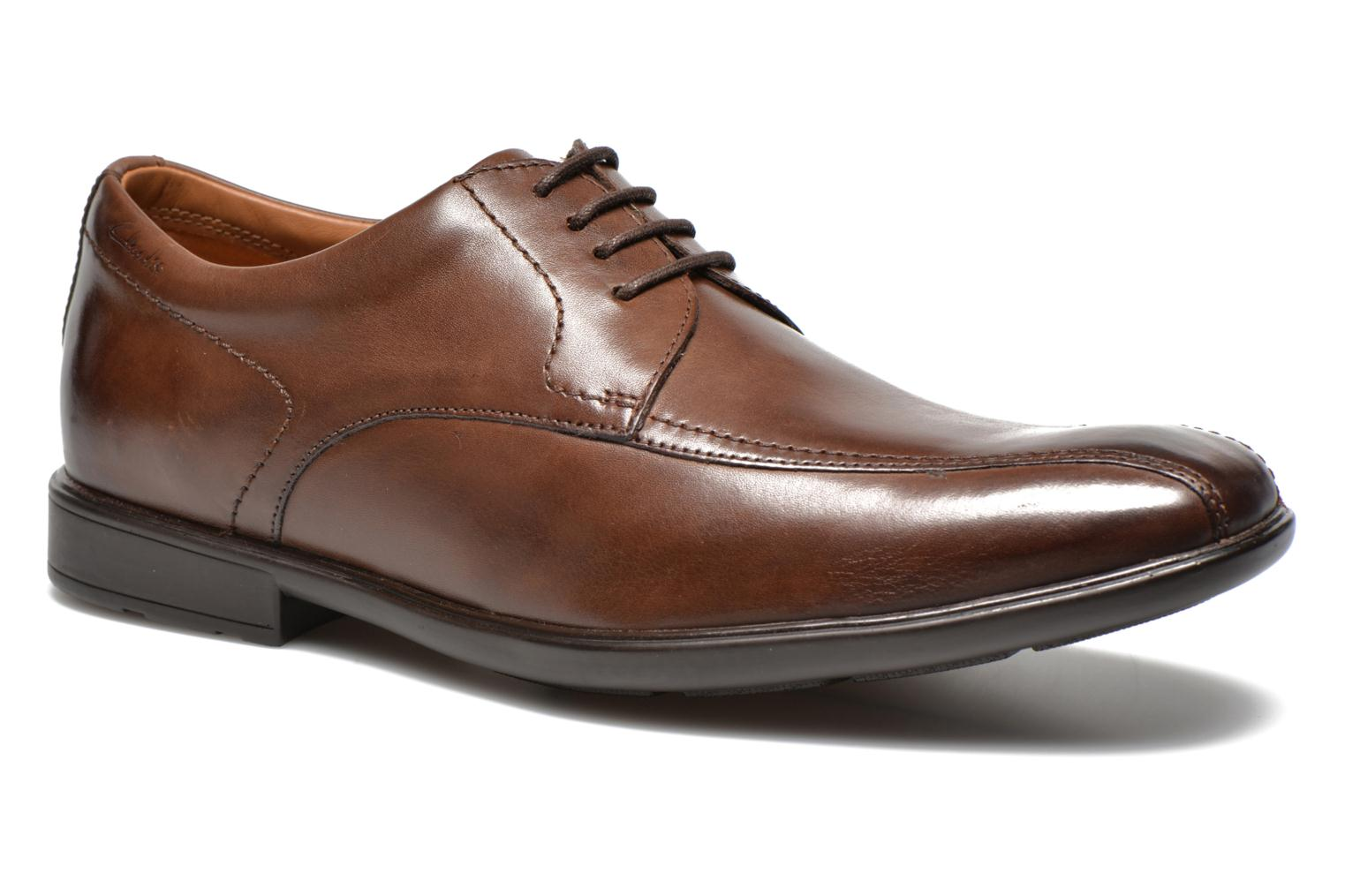 Veterschoenen Clarks Gosworth Over Bruin detail