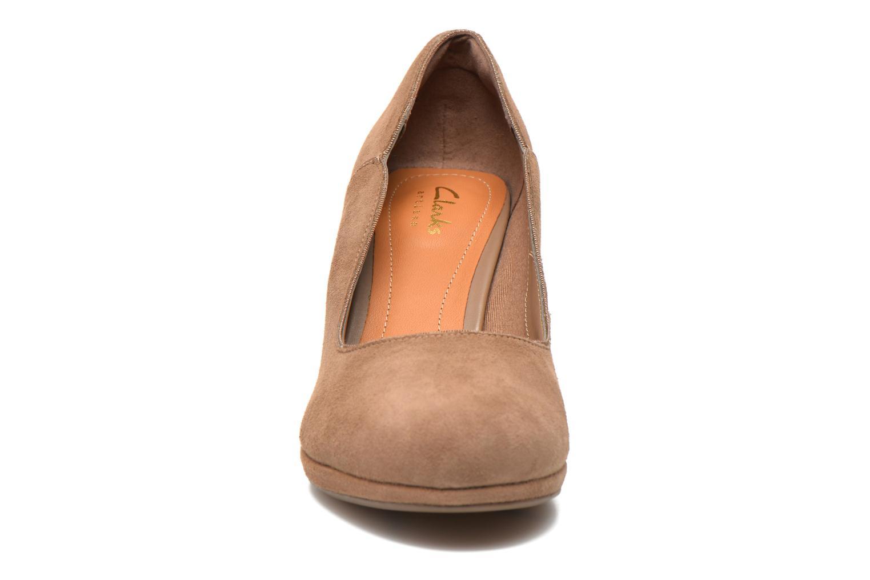 Escarpins Clarks Chorus Nights Beige vue portées chaussures