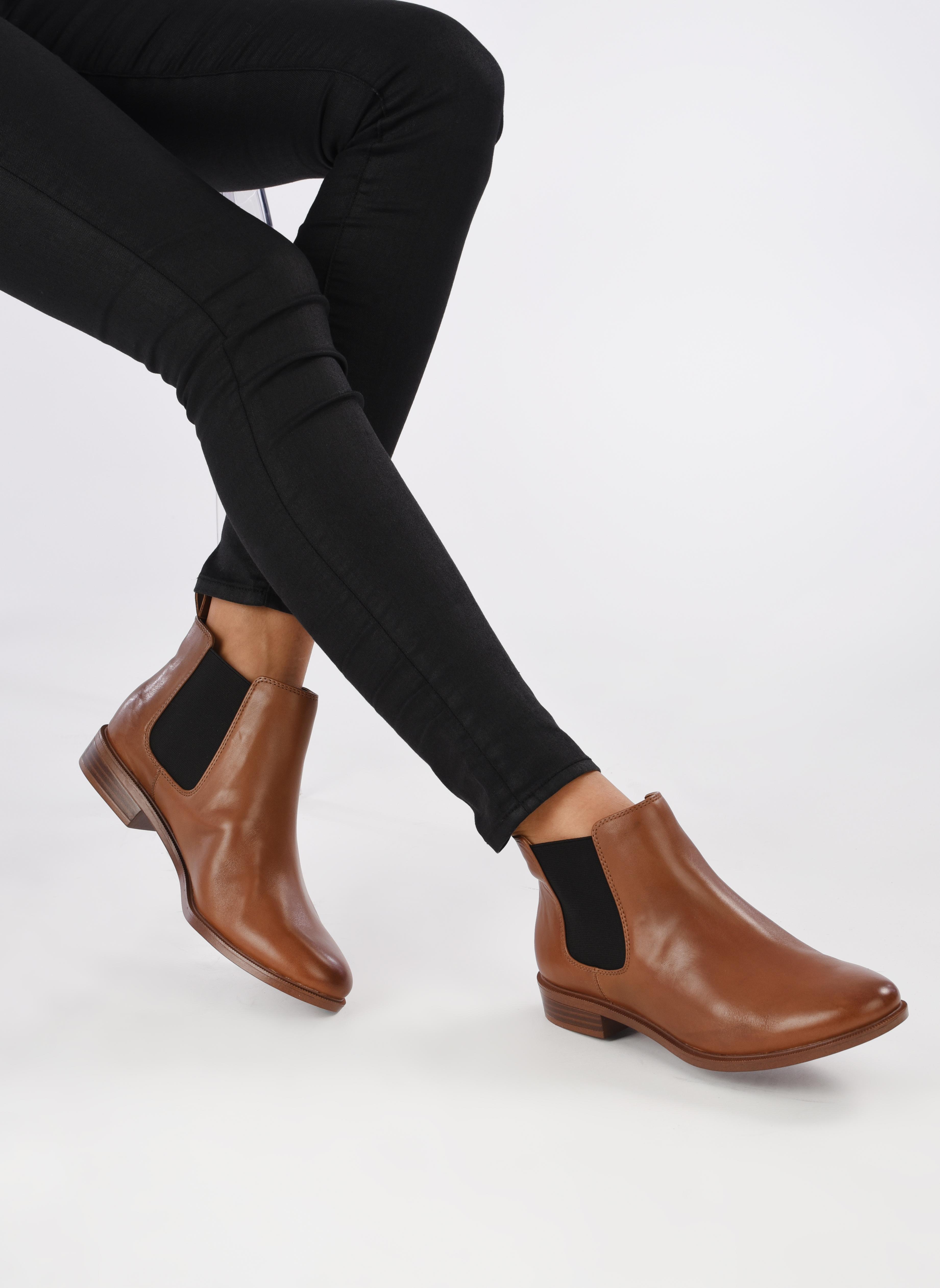 Taylor Shine Tan Leather