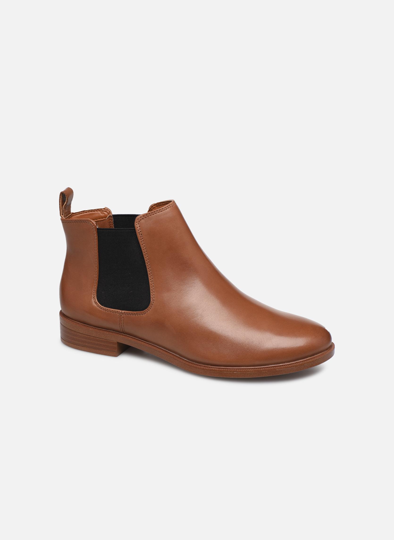 Bottines et boots Clarks Taylor Shine Marron vue détail/paire