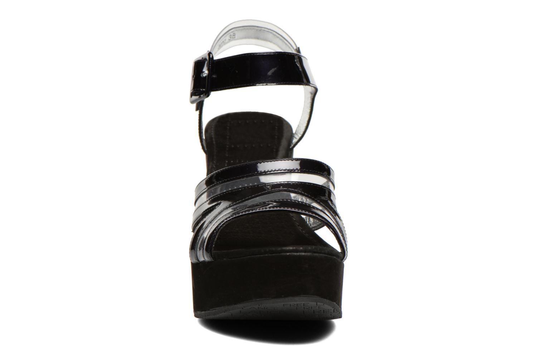 Sandales et nu-pieds Free Lance Nelfi 7 Sandlcristal Noir vue portées chaussures