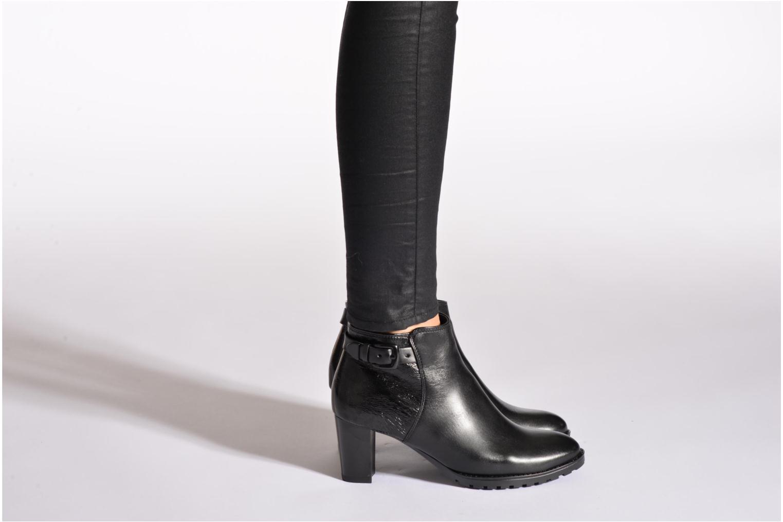 Bottines et boots Ara Grenoble 2 Noir vue bas / vue portée sac