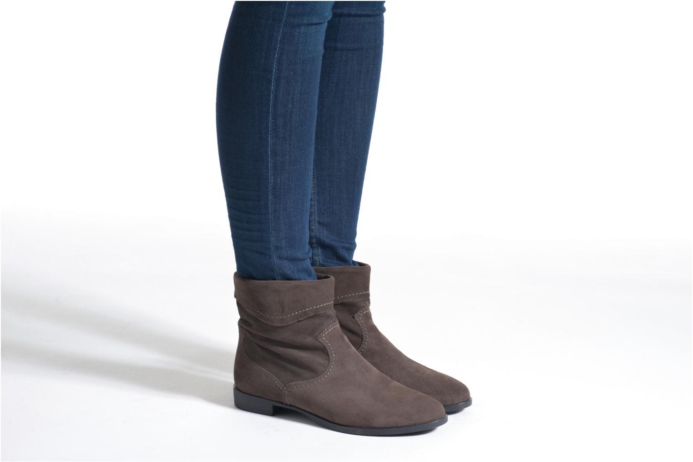 Bottines et boots Tamaris Bluiao 2 Beige vue bas / vue portée sac