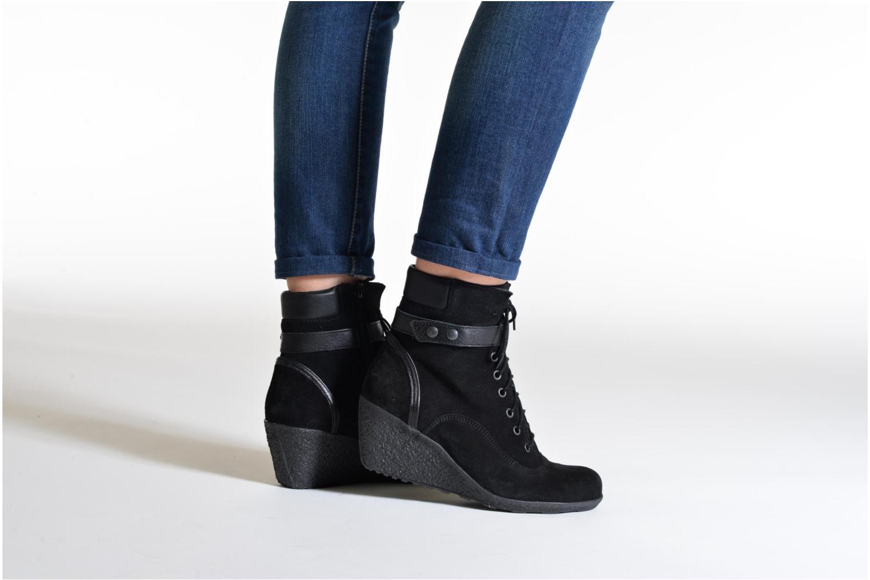 Stiefeletten & Boots TBS Wynona schwarz ansicht von unten / tasche getragen