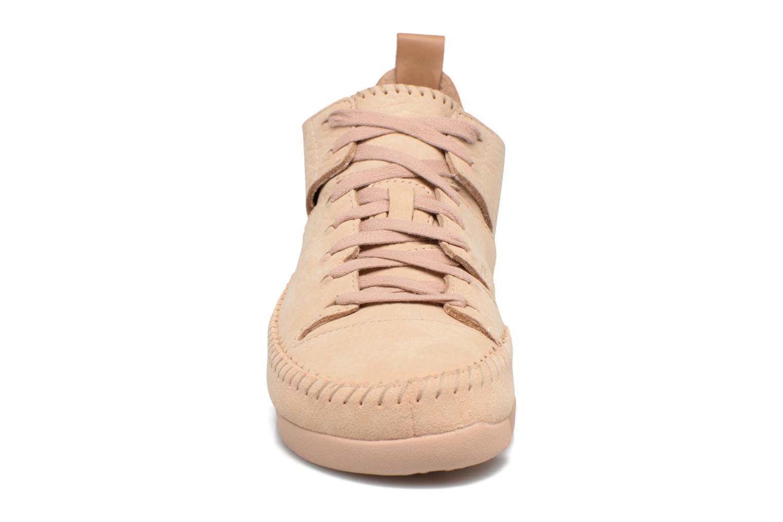 Baskets Clarks Originals Trigenic Flex W Beige vue portées chaussures