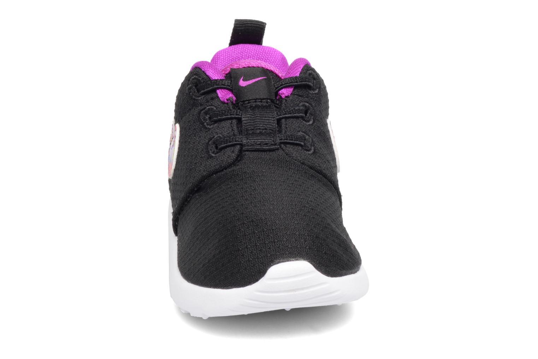 Baskets Nike Nike Roshe One Print (Tdv) Noir vue portées chaussures