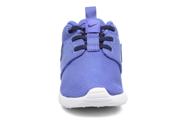 Sneakers Nike Nike Roshe One (Tdv) Azzurro modello indossato