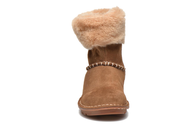 Bottes Clarks Greeta Ace Marron vue portées chaussures