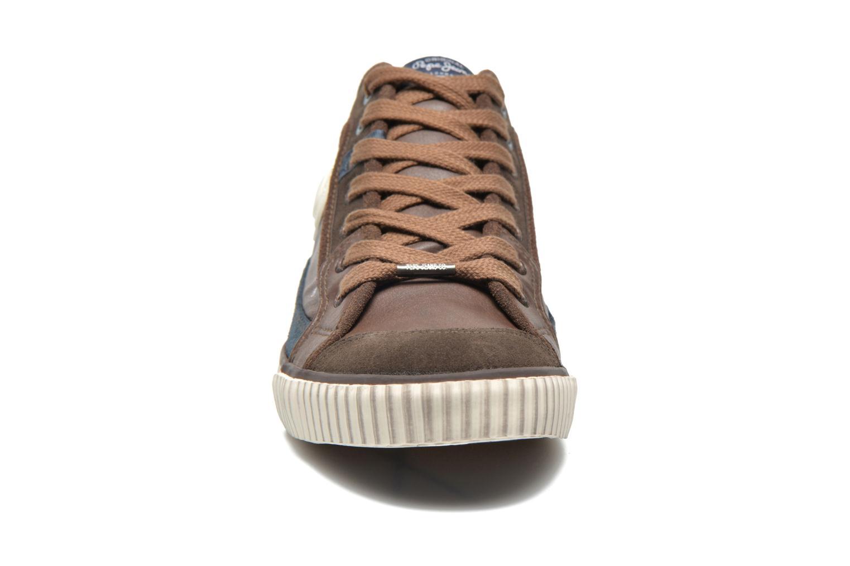 Baskets Pepe jeans Industry Half Marron vue portées chaussures