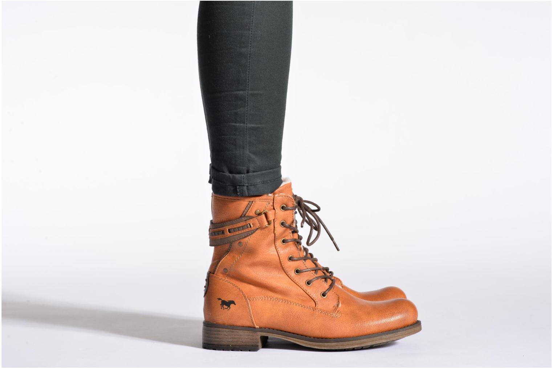 Bottines et boots Mustang shoes Amis Marron vue bas / vue portée sac