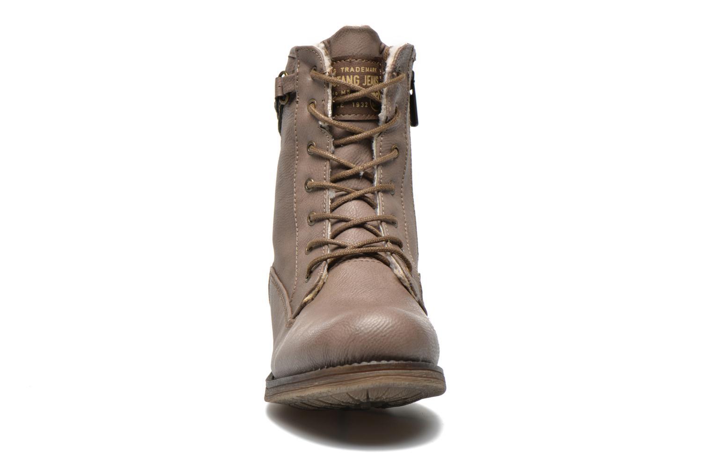 Bottines et boots Mustang shoes Amis Marron vue portées chaussures