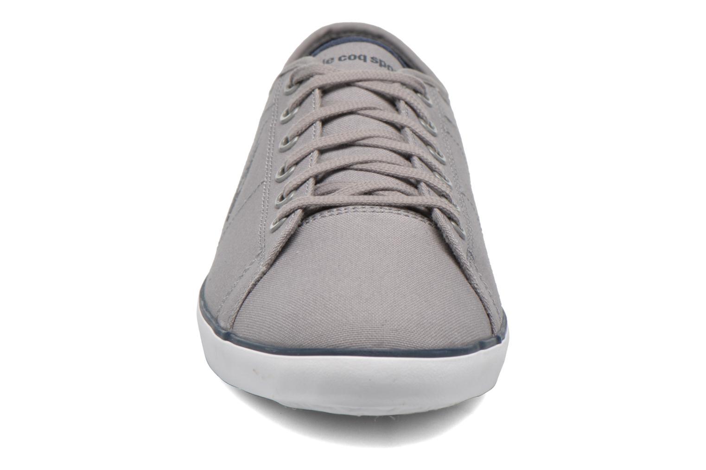 Baskets Le Coq Sportif Slimset CVS Gris vue portées chaussures