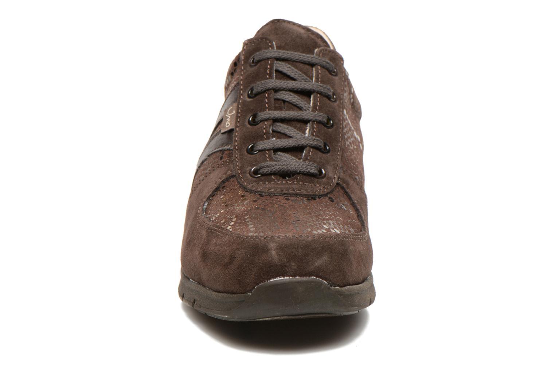 Baskets UMO Confort Douti Marron vue portées chaussures