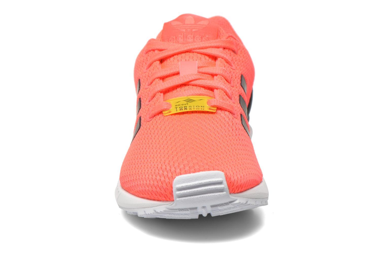 Baskets Adidas Originals Zx Flux K Rose vue portées chaussures