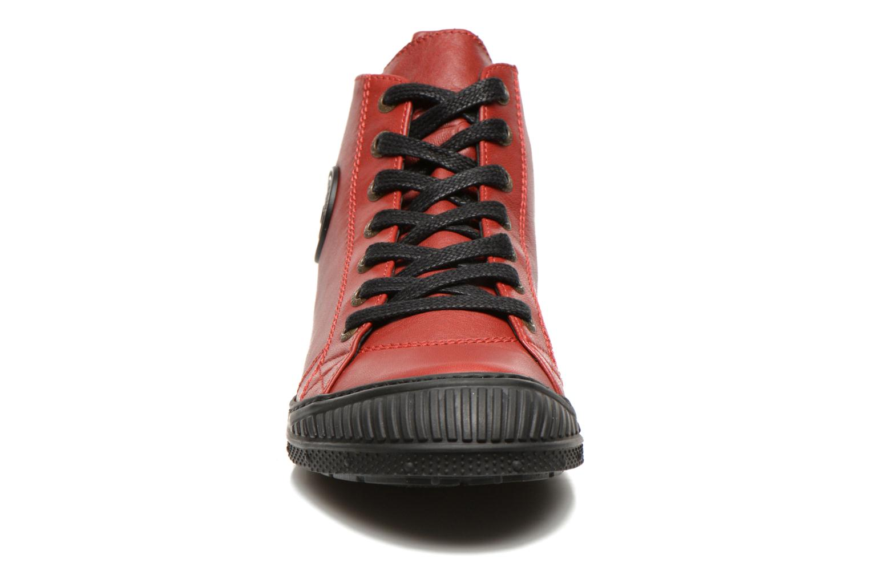 Sneaker Pataugas RockerN rot schuhe getragen
