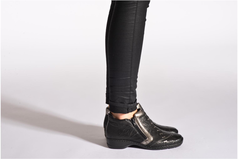 Bottines et boots Rieker Vica 58360 Noir vue bas / vue portée sac