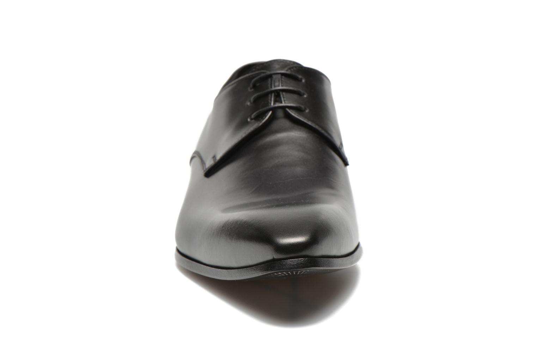 Snörade skor Doucal's NICO LOW Svart bild av skorna på
