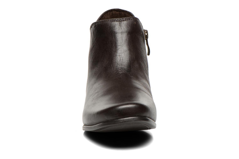 Bottines et boots Caprice Sandrine Marron vue portées chaussures