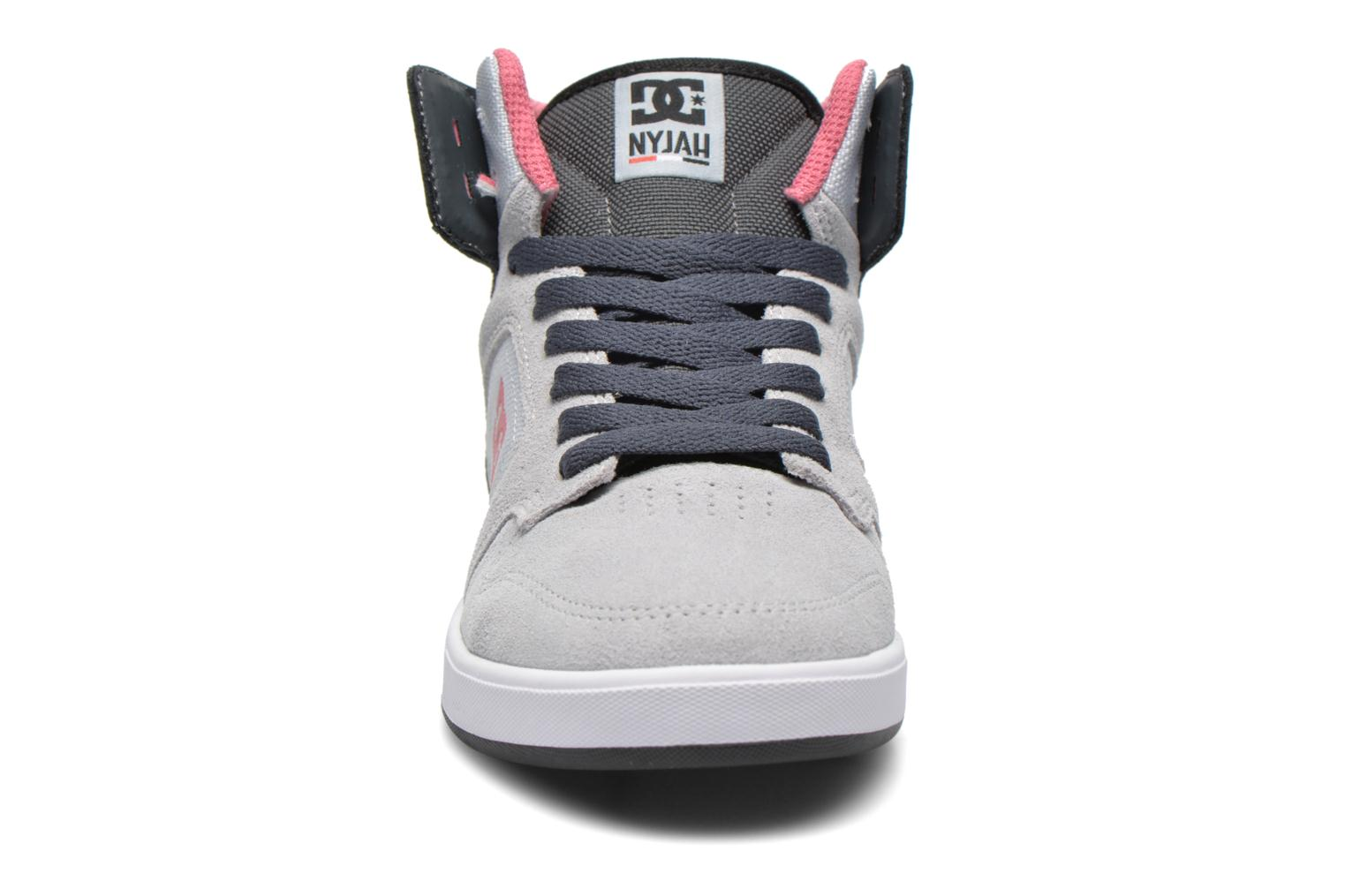 Trainers DC Shoes Nyjah High SE W Grey model view