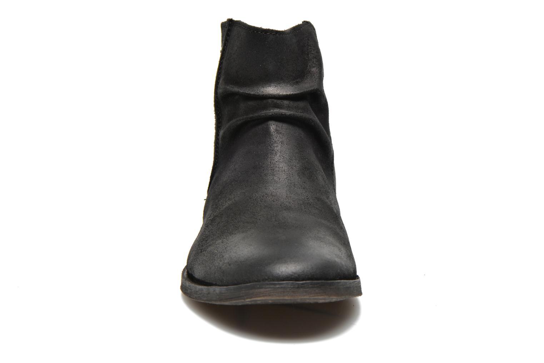 Stivaletti e tronchetti Kickers REVIVAL Nero modello indossato