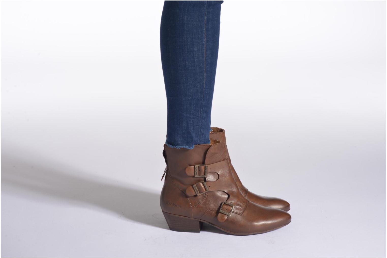 Stiefeletten & Boots Kickers Westside braun ansicht von unten / tasche getragen