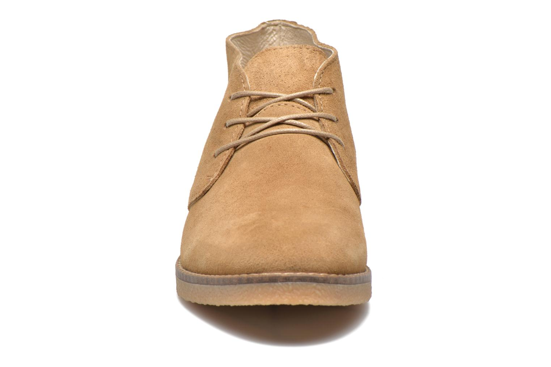 Schnürschuhe Shoe the bear Chukka beige schuhe getragen
