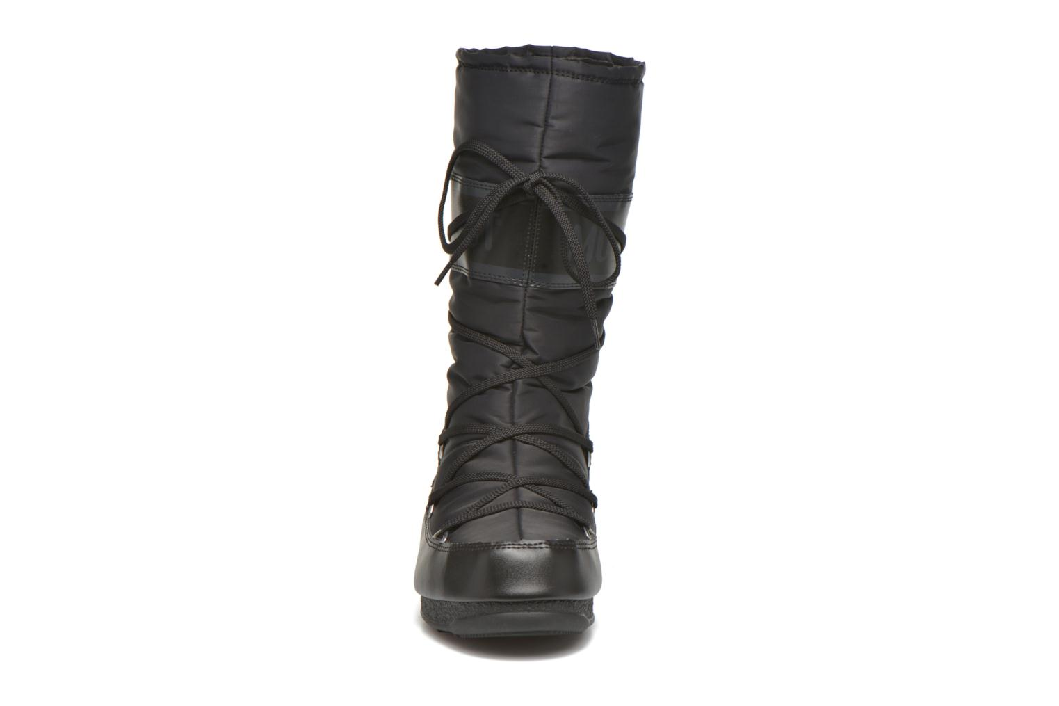 Sport shoes Moon Boot Soft Shade Black model view