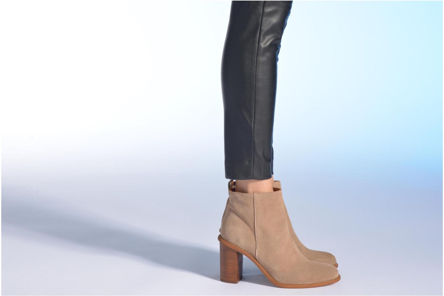 Ankle boots Made by SARENZA Western Fever #5 Beige view from underneath / model view