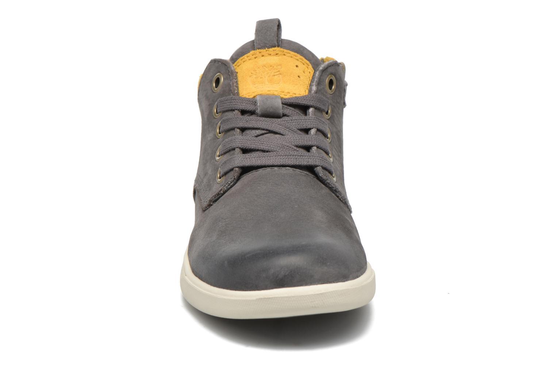 Sneaker Timberland Groveton Leather Chukka grau schuhe getragen