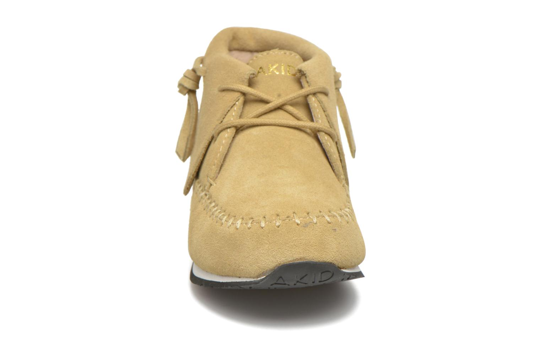 Sneaker Akid Stone beige schuhe getragen