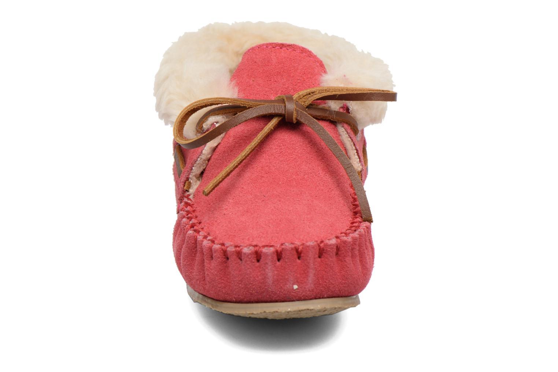 Boots Minnetonka Charley Rosa bild av skorna på