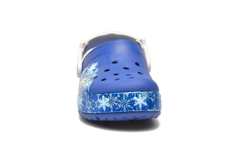 Sandalias Crocs CrocsLights Frozen Clog K Azul vista del modelo